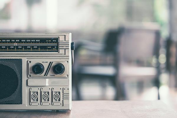 ラジオの始まりと現在